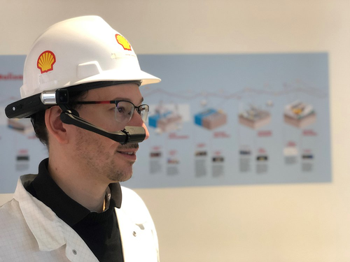 Michael Kaldenbach, Shell's digital realities lead, demonstrates a head-mounted HMT-1Z1 device.