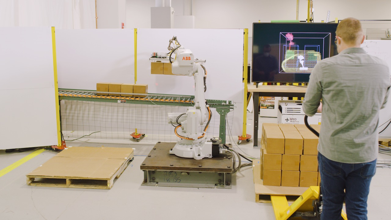 Palletizing application using FreeMove and ABB robot.